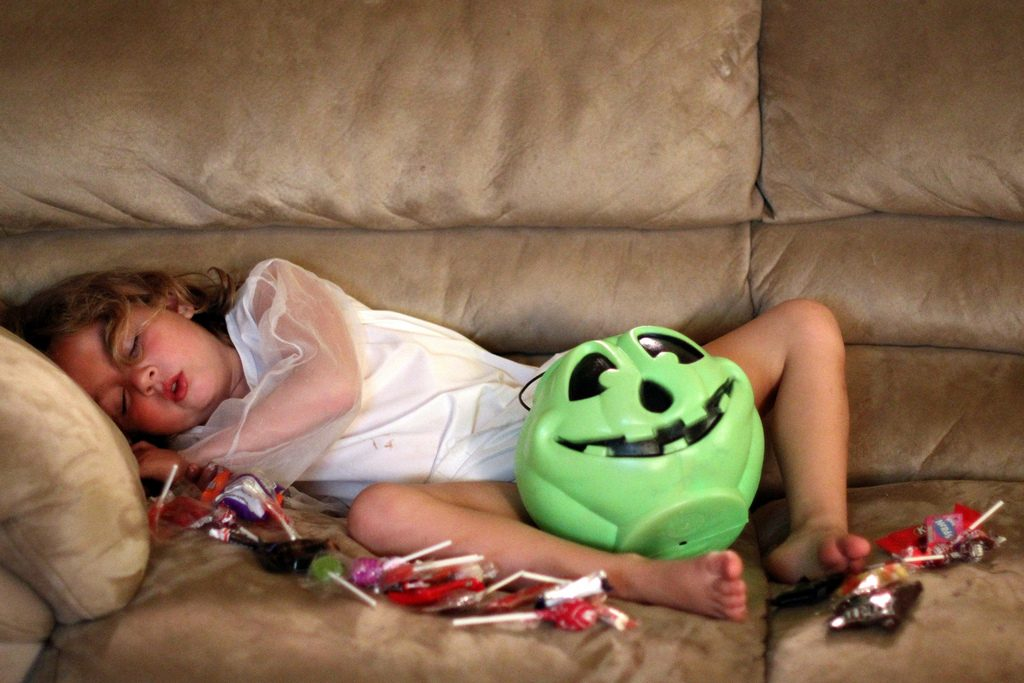 5 tricks to avoid halloween hangover